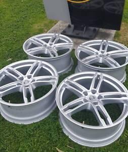 NEAR NEW Genuine Porsche Macan 19 inch Wheel Set Preston Darebin Area Preview