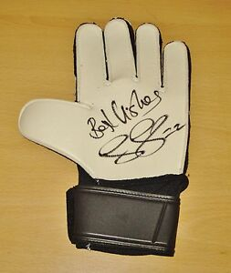 Jussi-Jaaskelain-SIGNED-Goalkeeper-Glove-Genuine-West-Ham-United-AUTOGRAPH-COA