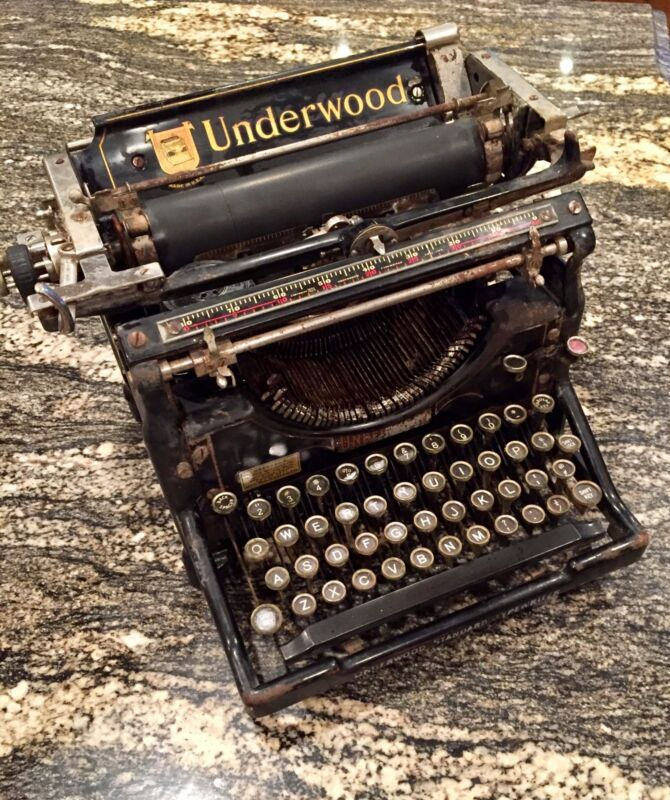 Antique Underwood Standard Typewriter 1917