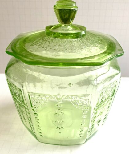 Anchor Hocking, Green Depression Glass Cookie Jar w/Lid, Cameo,
