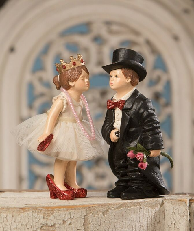 Bethany Lowe Set of 2 Valentine Kiss Girl and Boy TD9002 New