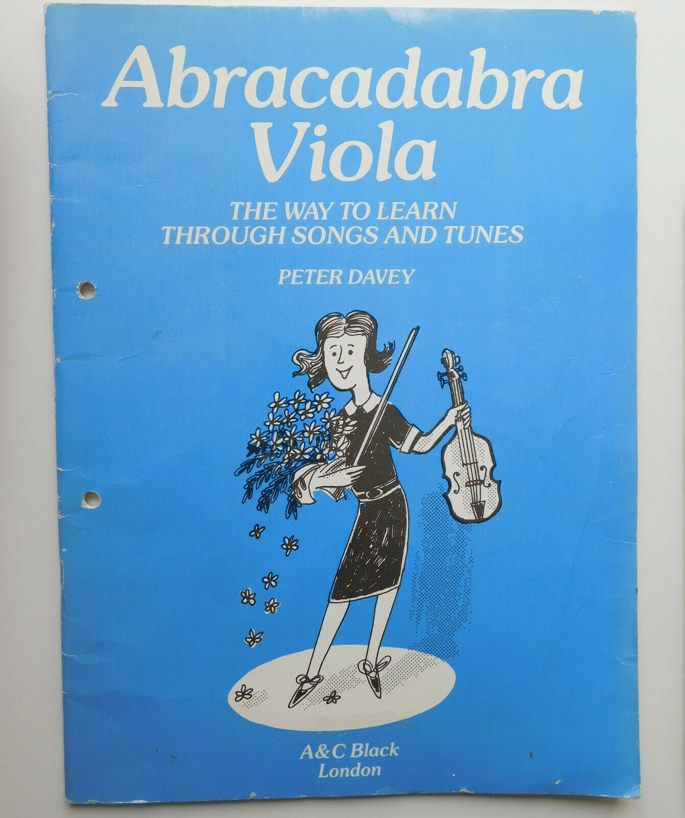 Abracadabra Viola music book easy tunes for beginners carols songs folk Davey