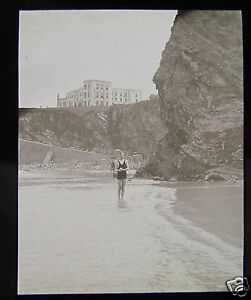 Glass-Magic-lantern-slide-NEWQUAY-KIDS-ON-BEACH-C1920-ENGLAND-CORNWALL-L66