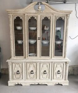 Chalk Painted Dinning Hutch and Buffet.