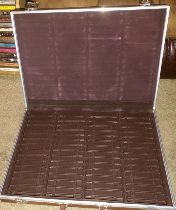 VINTAGE SAVOY 60 CASSETTE TAPE STORAGE CARRY CASE BROWN VINAL AMAZING CONDITION