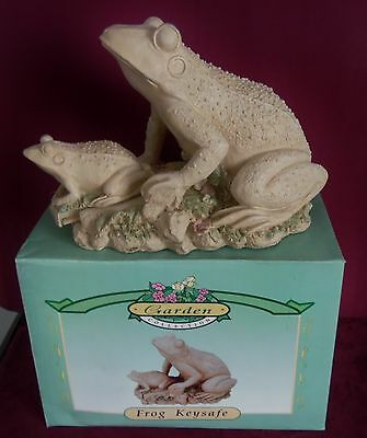 Garden Collection Out Door Hide A Key Safe 2 pc Frog Set Mint In Box Dated 1999