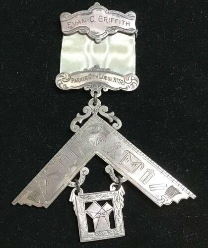 Wonderful 1915 Masonic Past Master huge sterling medal - beautiful engravi