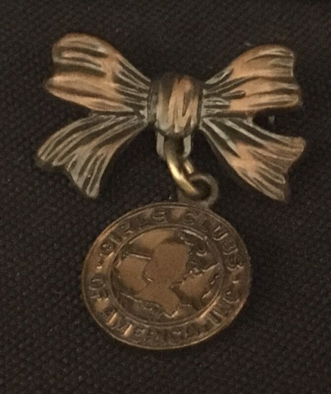 Vintage GIRLS CLUBS OF AMERICA Scouts Coppertone Pin Brooch