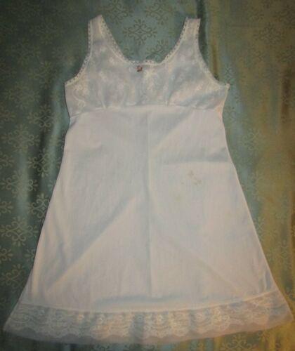 Her Majesty Vintage Sheer Full Slip Dress Nylon Lace Sz 10 Girls