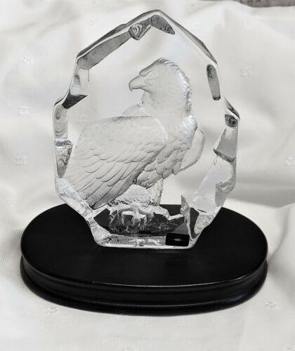 Mats Jonasson  Etched Bald Eagle Art Lead Crystal Sculpture.