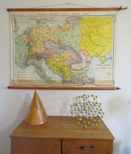 ORIGINAL VINTAGE MAP OF CENTRAL  EUROPE AFTER WW1 HISTORY  CIRCA 1945