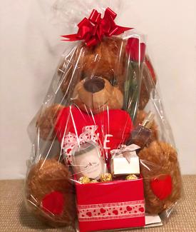 Valentine's 52cm Teddy Bear Gift Pack