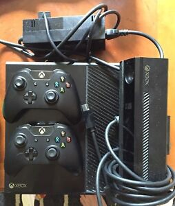 Xbox one, Kinect , 11 games, 2 controllers, rockband guitar