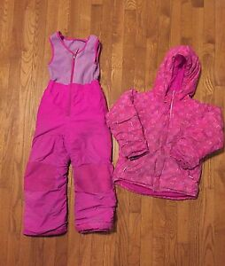 Girls 6-7 Columbia Snowsuit  Stratford Kitchener Area image 2