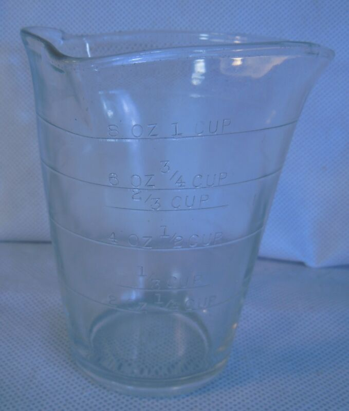 """VINTAGE FEDERAL CLEAR GLASS 3 SIDED/SPOUT MEASURING CUP 4 1/4"""""""