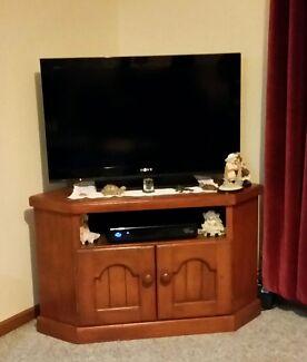 Wooden Tv unit Sebastopol Ballarat City Preview