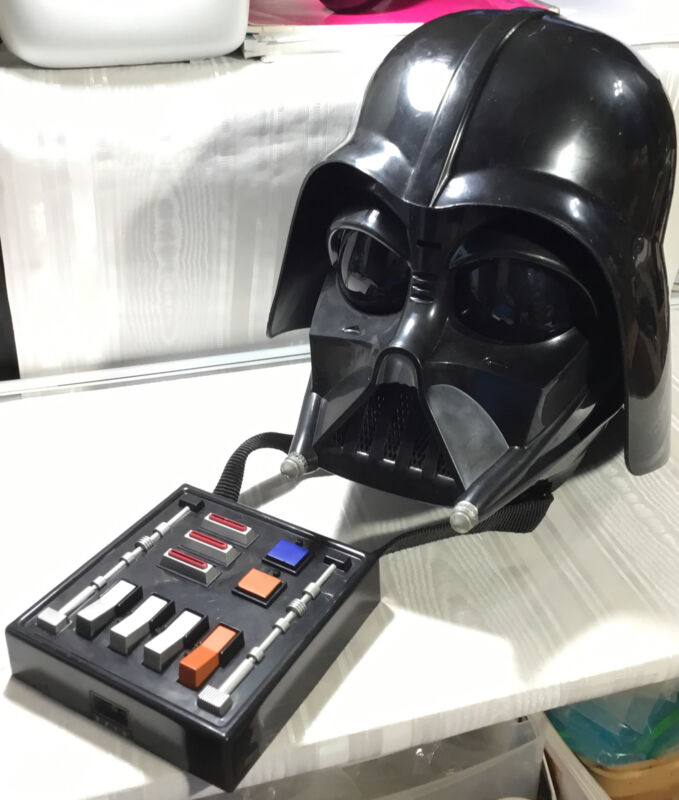 Star Wars DARTH VADER HELMET Talking Voice Changer Electronic WORKS 2004