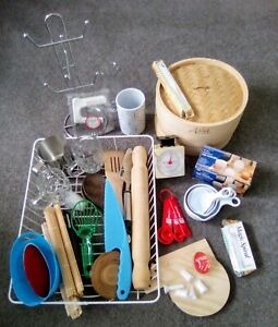 $10 for bulk lot of kitchenware
