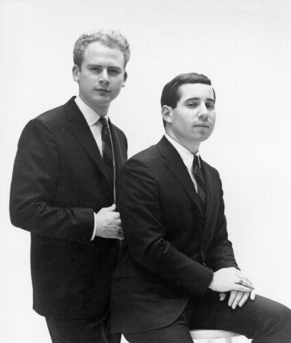 Simon & Garfunkel -  MUSIC PHOTO #18