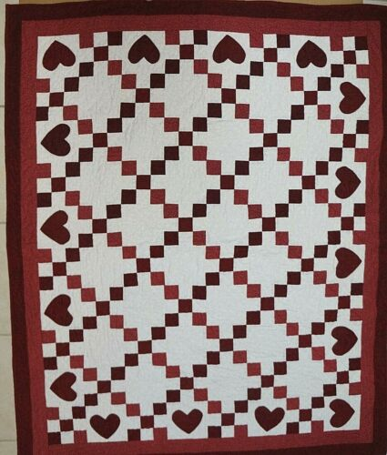 """RED & WHITE HEARTS QUILT Machine & Hand Quilted 47"""" x 56""""  Excellent Condition"""