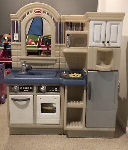 Little Tikes Kitchen and BBQ avec accessoires
