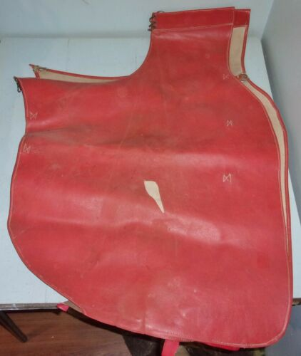 Red Naugahyde Batwing Cowboy Chaps Work Wear Ranch Rodeo Wet Weather Used