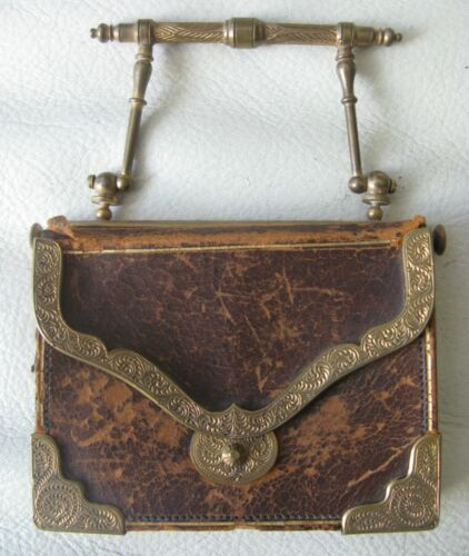 Antique Victorian Gold T Bass Metal Frame Leather Fancy Clasp Coin Purse 1800s