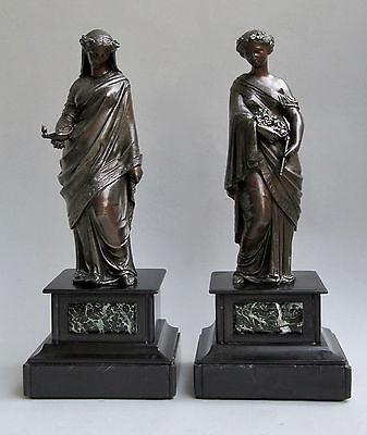 Zwei Metall - Skulpturen Frauen in antiken Gewändern Vestalinnen um 1900 Marmor