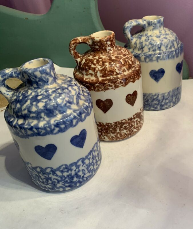 Gerald Henn Spongeware Pottery - Workshops - Jug with Hearts - Set Of 3