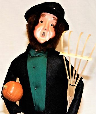 Byers Choice Amish Man Shopper Caroler New  Signed By Joyce Byers FREE SHIPPING