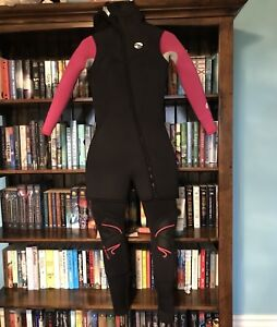 BARE Nixie Size 4 Full 7mm Wetsuit with Torso Piece (also 7mm)
