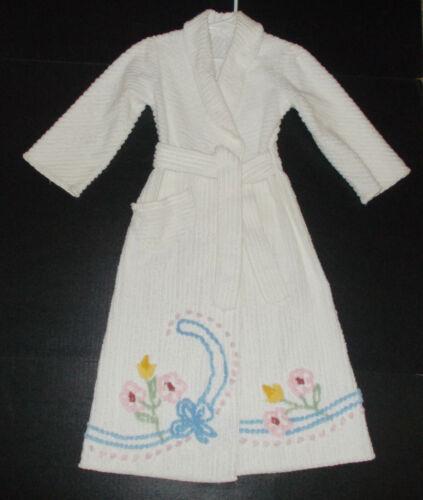 Charming Vintage Childs White Chenille Bathrobe Size 4