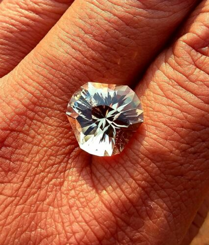 Oregon Sunstone! 8.40ct Custom Facet! Sparkly yellow! Natural Gem! Made in USA!