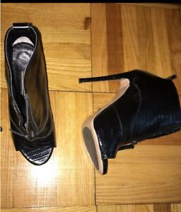 Two pairs of shoes-Toni bianco