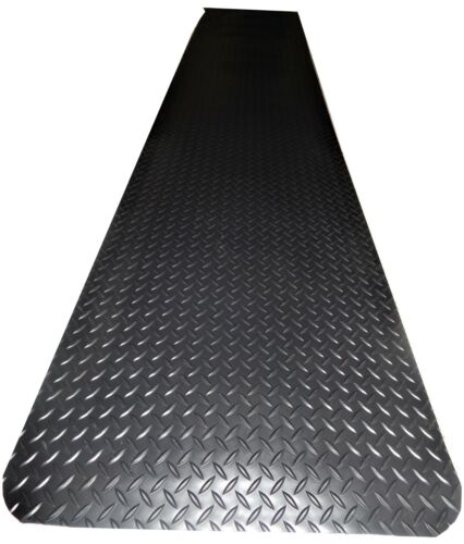 Weldmaster Diamond Plate  anti-fatigue matting designed for welding and other in