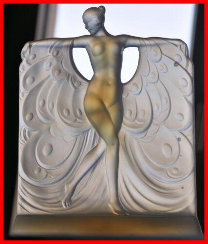 Sabino Opalescent Glass Figure Model Suzanne au Bain