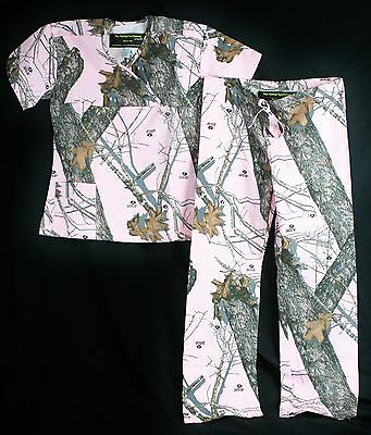 Mossy Oak  Pink Camo Scrub Set Medical scrubs camoflauge