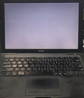 "Apple MacBook 13.3"" Laptop - MB063LL/A (May, 2007)"
