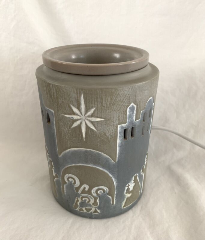 Scentsy Bethlehem Warmer With Bulb! Christmas Seasonal Nativity Scene Decor