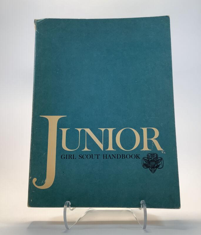Vintage Junior Girl Scout Handbook Manual GSA ©1963