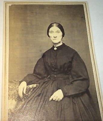 Antique American Civil War Victorian Fashion Old Lady! C.1860's CDV Photo! US!
