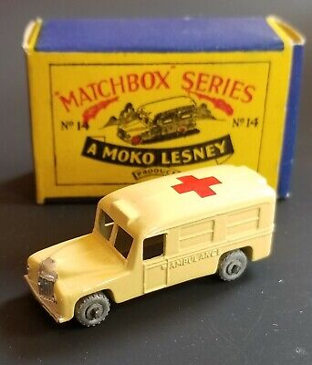 VINTAGE 1950s MATCHBOX 14a DAIMLER AMBULANCE MINT IN B2 BOX ORIGINAL BEAUTY