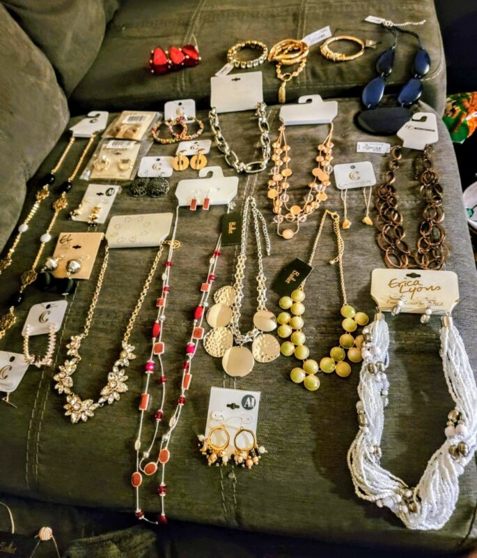 Mixed Jewelry Lot. Vintage and Modern. *see description*
