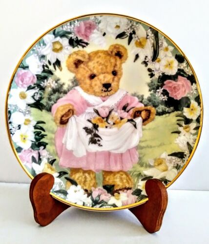 """Franklin Mint Heirloom Collection 8"""" Plate """"TEDDY SPRING BOUQUET"""" New"""
