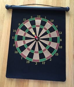 Roll up Magnetic Portable Dart Board