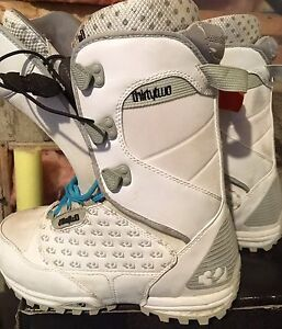 Women's Thirty-Two Snowboard boots size 6