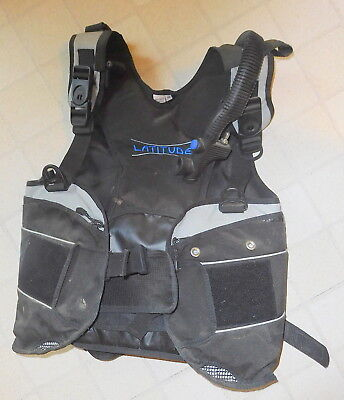 - Seaquest Latitude Aqualung  BCD, medium M,scuba diving gear,boyancy Compensator