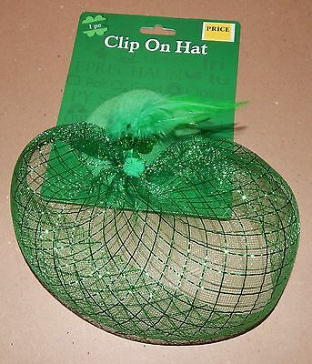 St.Patricks Day Green Felt Clip On Hat Feathers Shamrock 103N ()