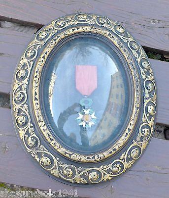Frankreich --Orden der Ehrenlegion-- hinter Glas im ovalen Rahmen mit Namen