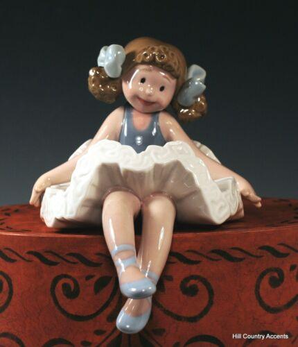"""LLADRO """"RAG DOLL"""" #1501 - PART OF LEDGE HANGER SET - GIRL DOLL SITTING - MINT"""